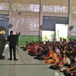 """จากการเพรียกหา """"วินัย"""" ในโรงเรียน-มหาลัย ถึงวิธีคิดแบบทหารที่ขยายตัวในสังคมไทย"""