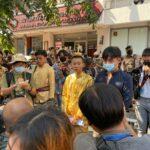เปิดข้อกล่าวหา ม.112 เยาวชน – ผู้แต่งคอสเพลย์ชุดไทย เหตุเดินพรมแดงม็อบแฟชั่นโชว์ที่สีลม